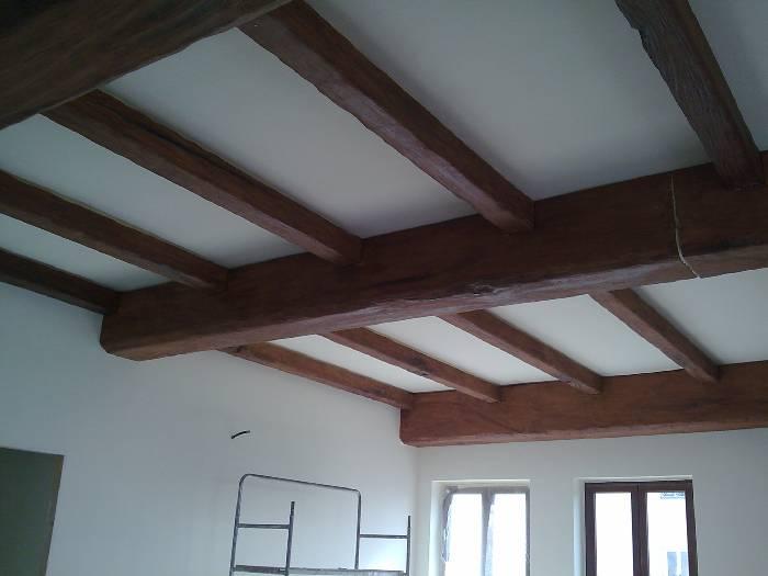 Travi Legno Soffitto Finte : Edilizia per interni finte travi legno